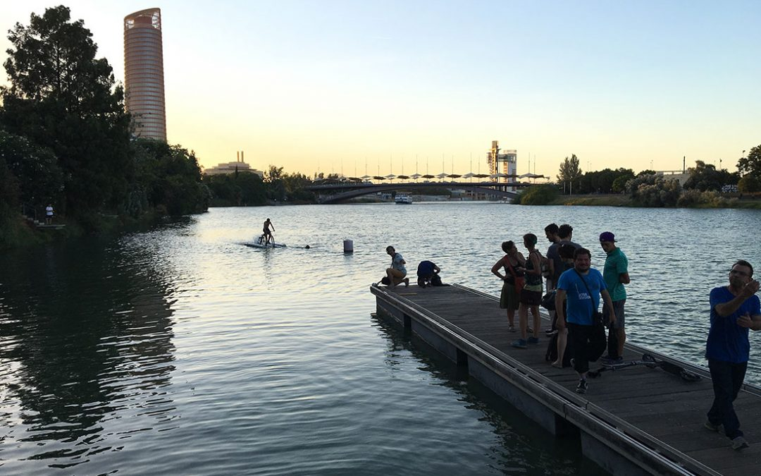 La bicicleta fluvial vuelve a la Velá de Triana